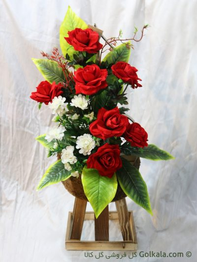 سبد گل رز قرمز و کوکب سفید