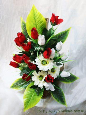 سبد گل غنچه رز و مارگریت سفید