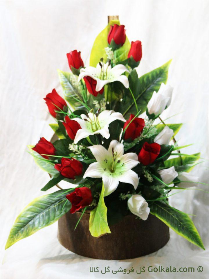 سبد گل رز و لیلیوم سفید
