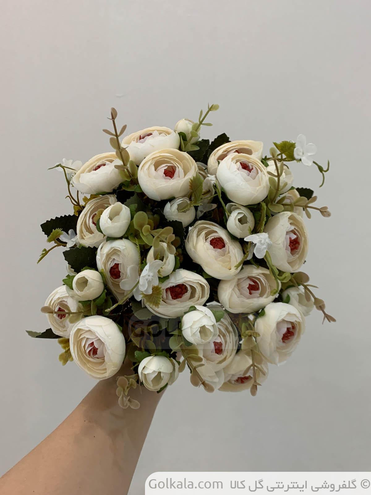 پیونی سفید دسته گل گل کالا