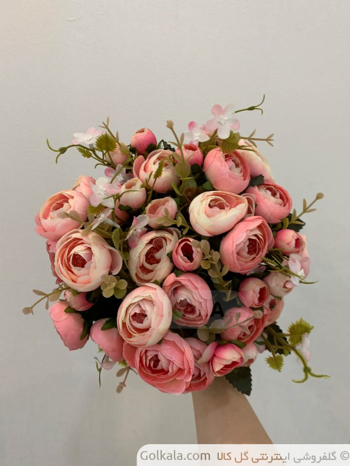 پیونی سفید صورتی دسته گل گل کالا